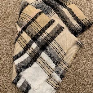 Large blanket scarf
